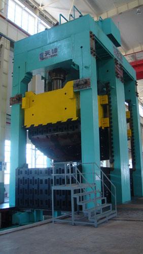 核電AP1000:CV封頭模具生產現場